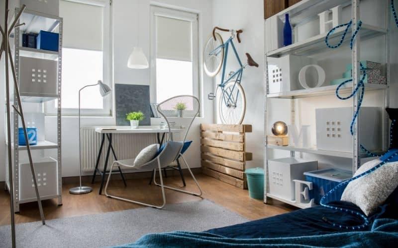 חדר שינה קטן בעיצוב מיוחד